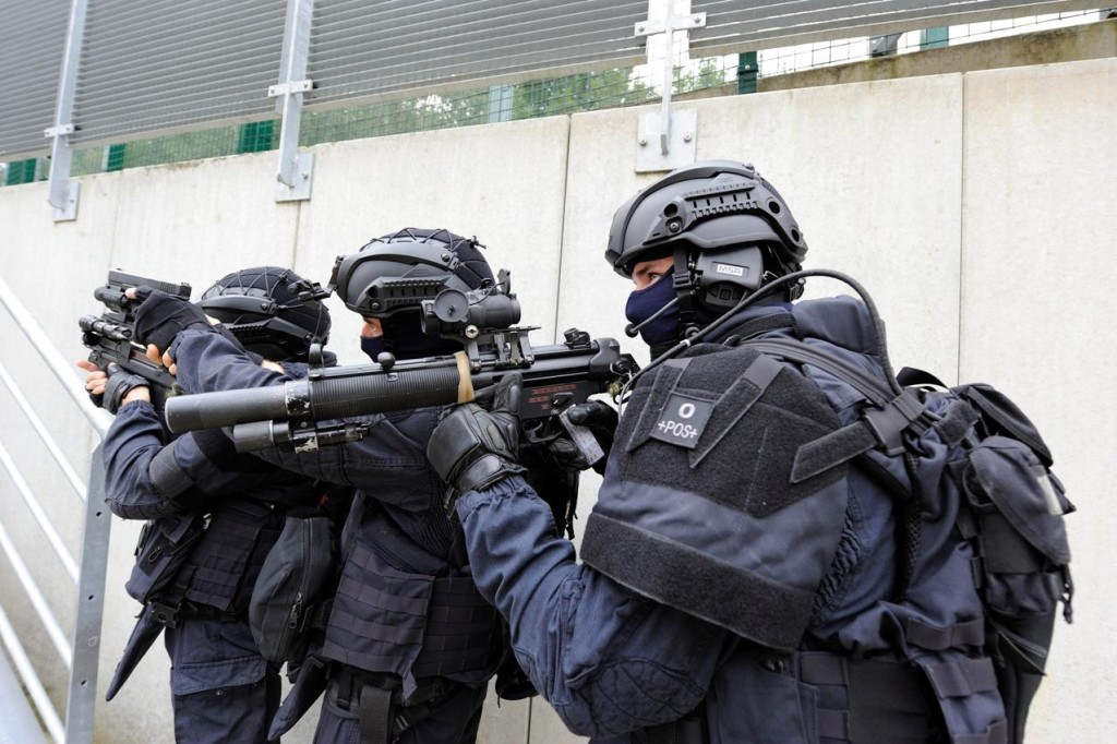 GIGN stacked up and ready to go.